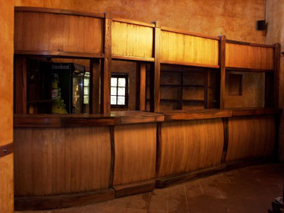 Barra rustica meson bar restaurant for Muebles para resto bar